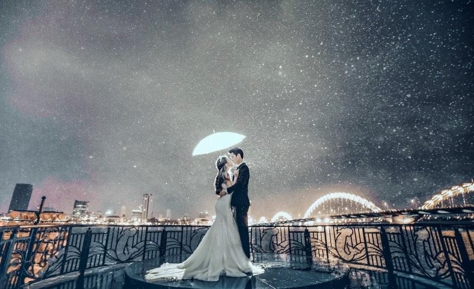 địa điểm chụp ảnh cưới ở Đà Nẵng - cầu tình yêu